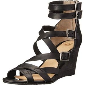 NWOT Frye Rain Strappy Black Leather Wedge Sandals